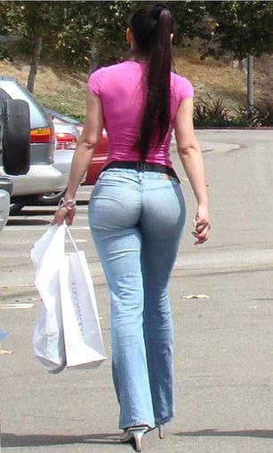 Girls Butt In Tight Jeans